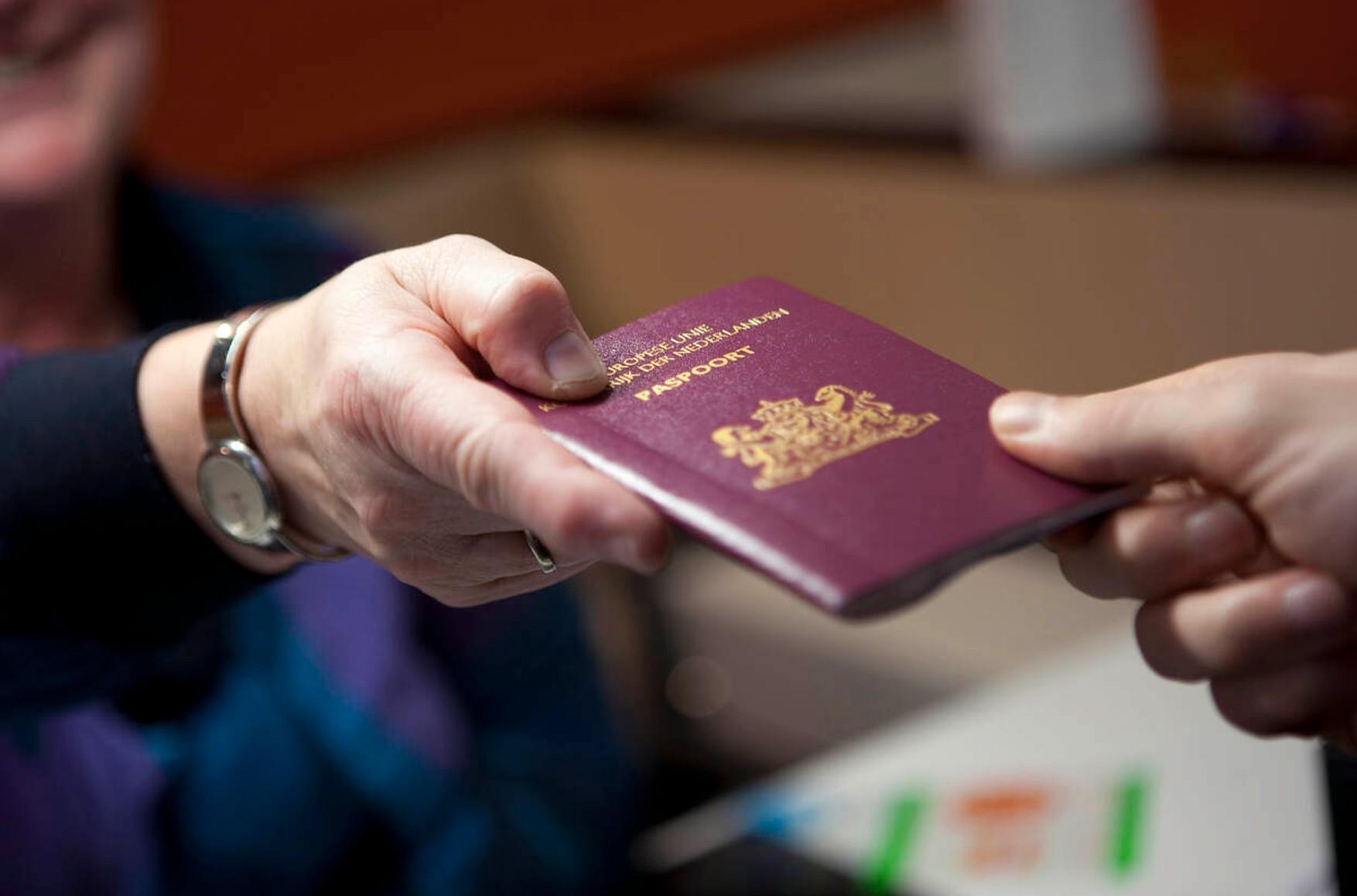 Перевод паспорта: когда и в каких случаях нужен